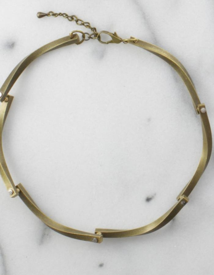 loop de loup choker, metal, patina