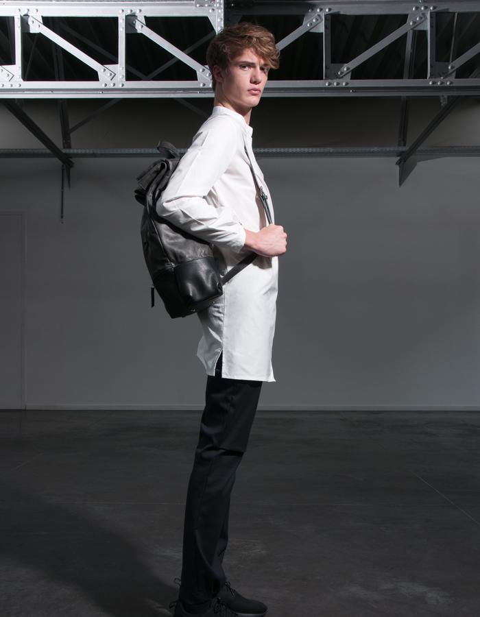 LARS/Shirt + HENRIK/Bag + JAN/Pants