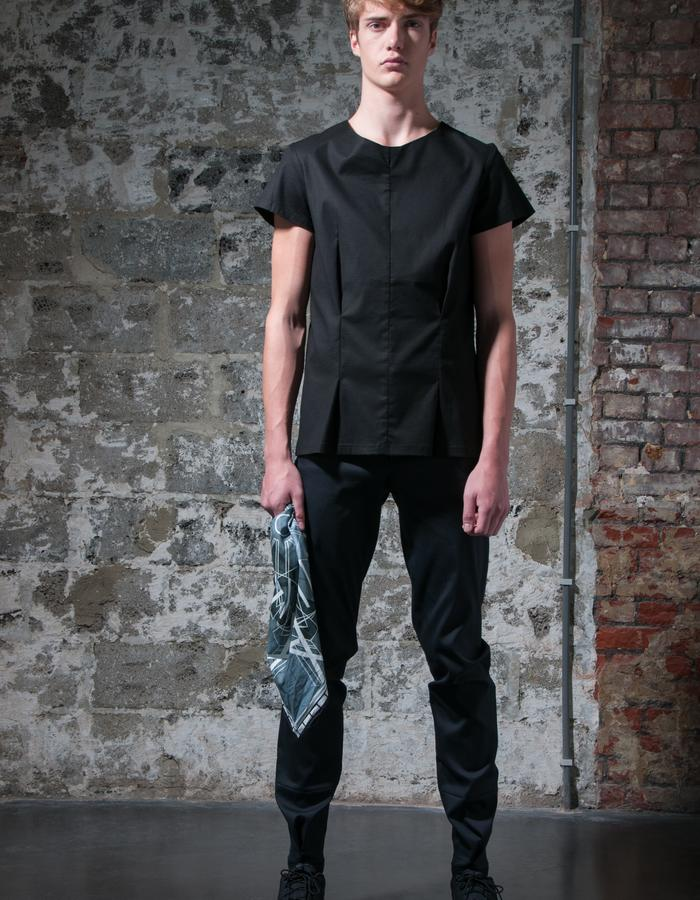RASMUS/T-Shirt + SOREN/Pants + SVEND/Scarf