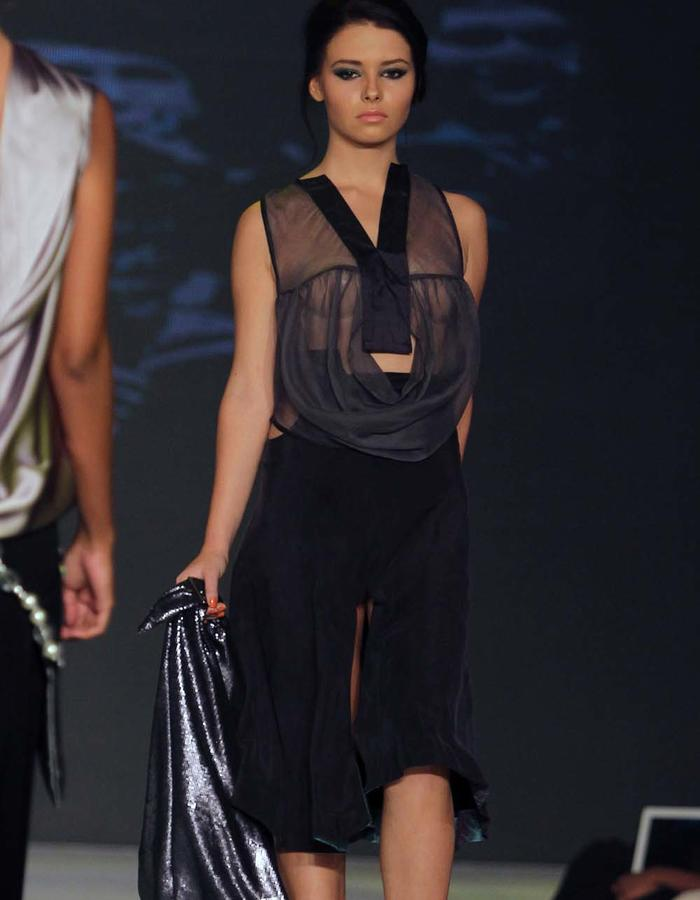 ONE PICE CIRCULAR SHEER TOP/ A LINE SKIRT WITH HIP CUT