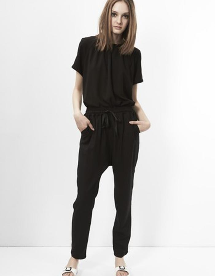 Emma Raglan Top with Edda Drawstring Pants