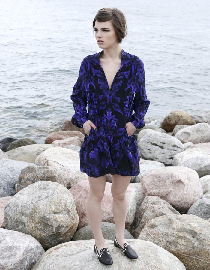 Sanna Naapuri Resort 2016: Inca shirt dress / Iris print