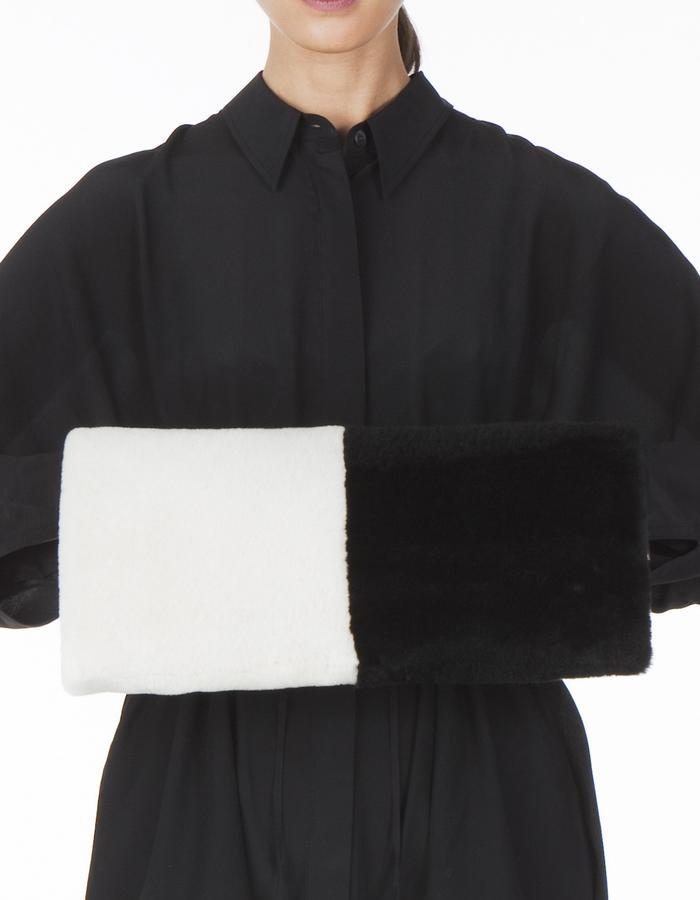ONAR Audrey Muff Black & White