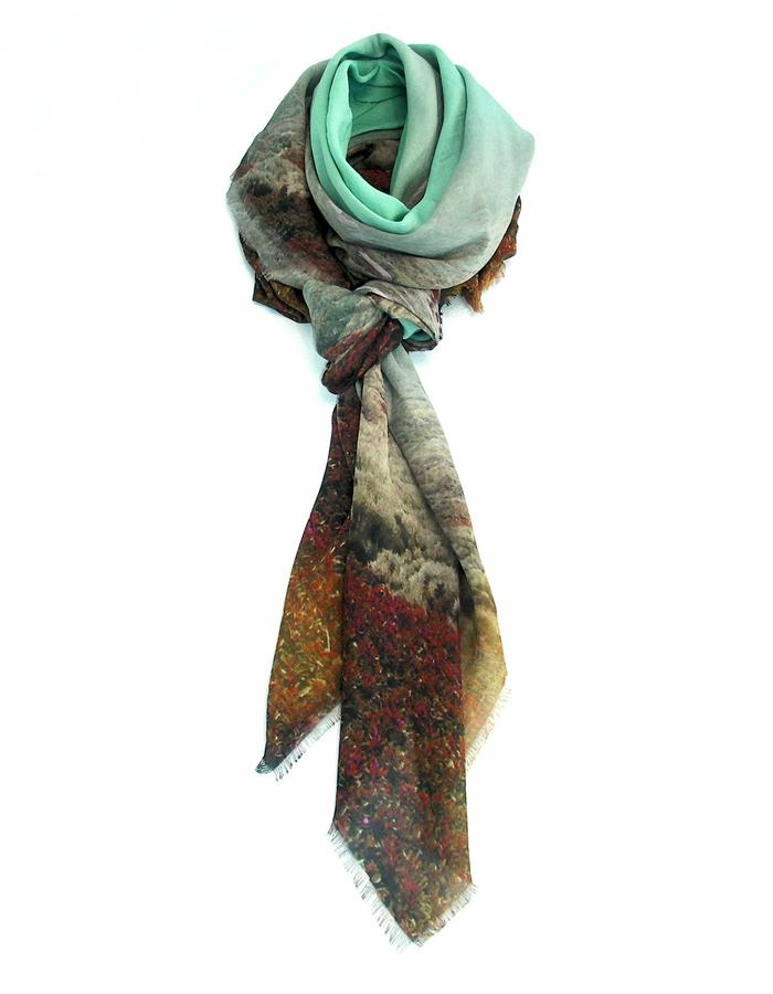 scarf from a friend of mine, limited edition, made in Italy. labyrinth5.