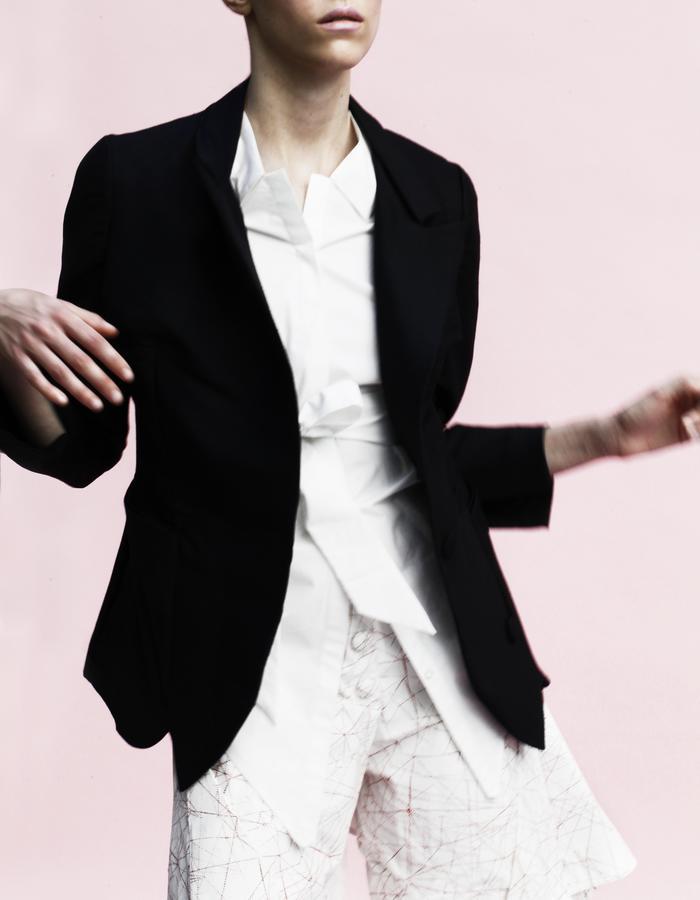 YOJIRO KAKE  SS Origami blazer 65% Wool 35% Silk , high waist shorts 100% Cotton