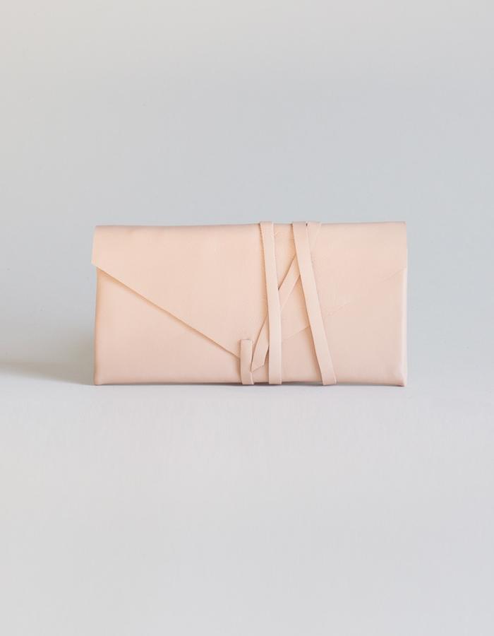 Clara wallet salmon