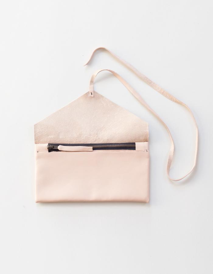 Clara wallet salmon open