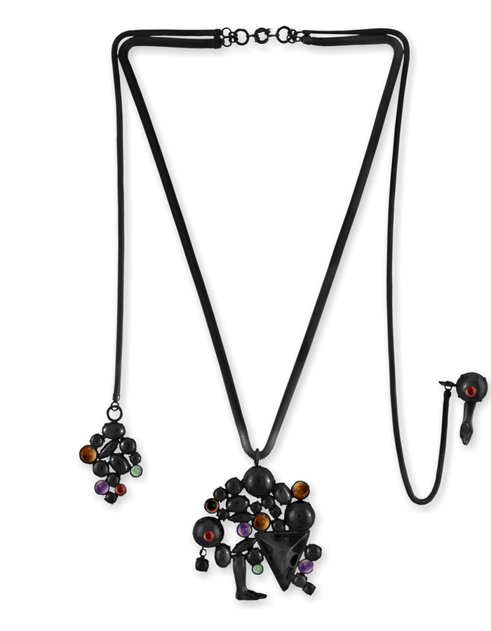RICH BODIED NECKLACE WITH PIN BLACK VERNICE