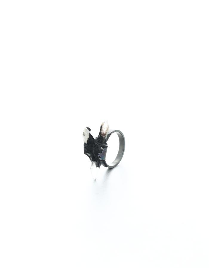 Every second has already past, ring, silver oxidized, quartz, pigment, resin, Izabella Petrut