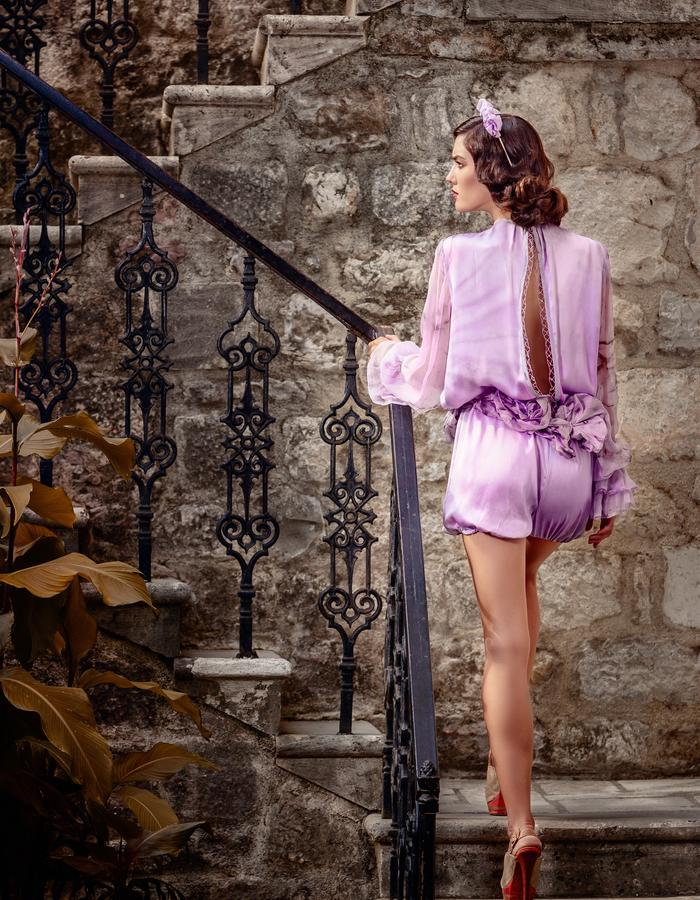 Chic and elegant silk jampsuit with loose sleeves