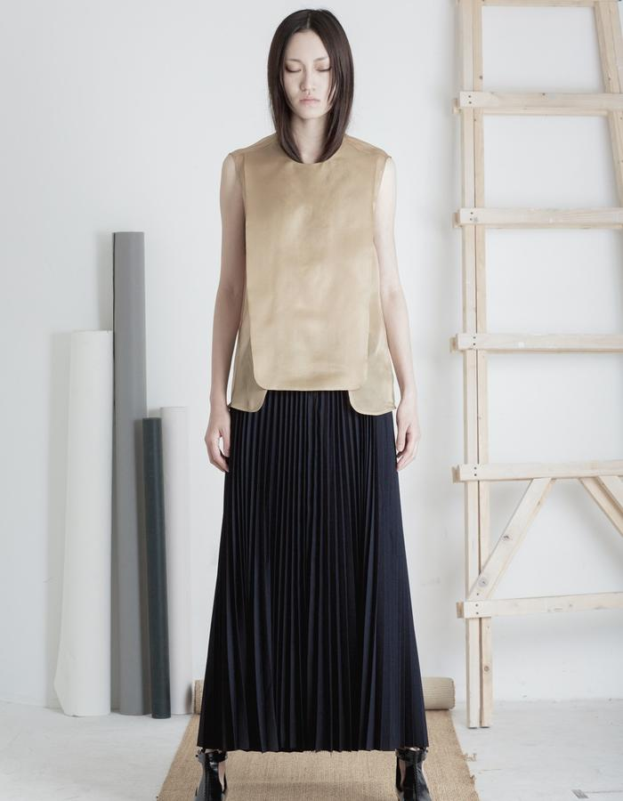 Mute by JL 2015 Spring gold top