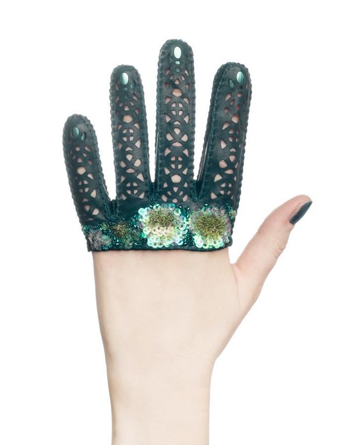 Eglantine gloves