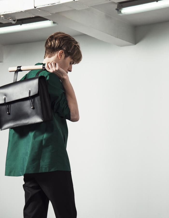 MORIC/K-Way + LAZSLO/Pants + HENRIK/Bag