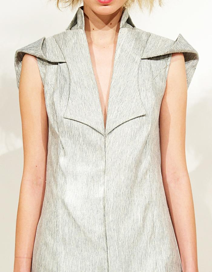 Silk Linen dress with lapels and folded sleeves