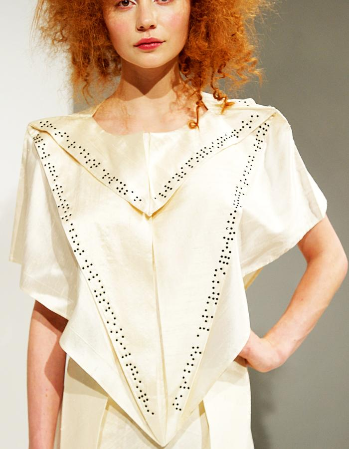 The Seamless Braille Poncho and Mango skirt in silk