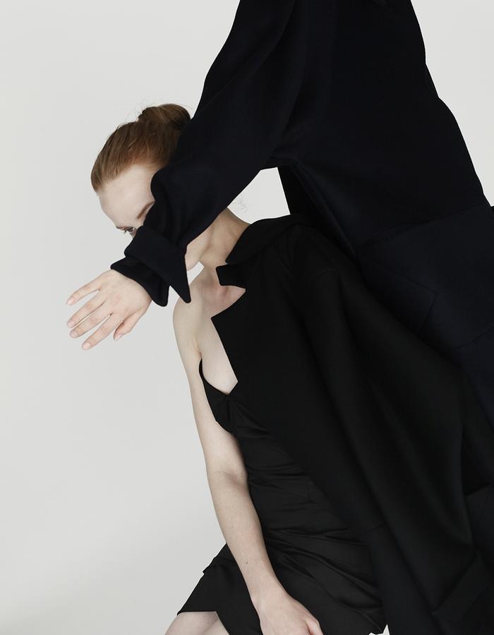 Origami pleating dress, coats YOJIRO KAKE  AW Japanese fashion designer based in Florence Italy