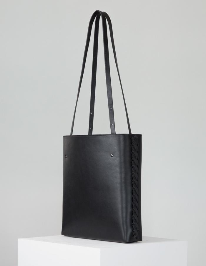 The Lili handbag by Annoukis - angle