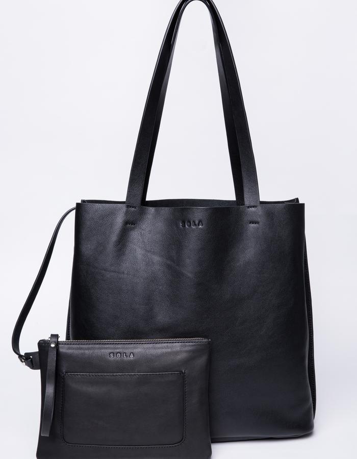 Essentiel Tote bag & pouch in nappa leather -32x38x11cm - Handle drop 25 cm
