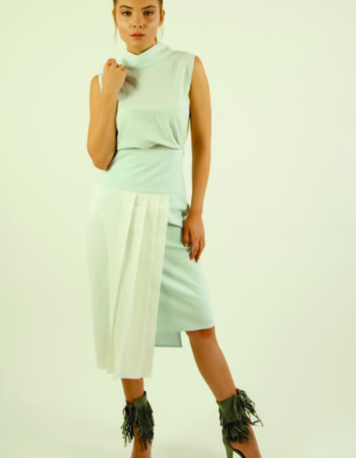 'Nesting together' top and skirt - Sleeveless top with kimono style collar and V-neck in the back and 3/4 high waist lined skirt with hand-pleated details in light blue and white cotton