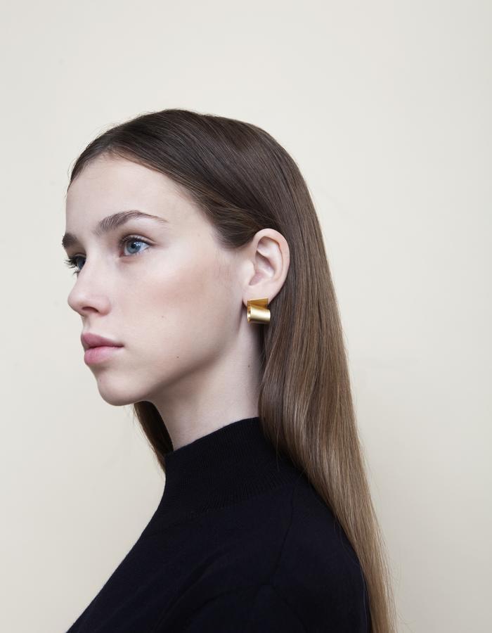 Golden Escargot Stud Earrings