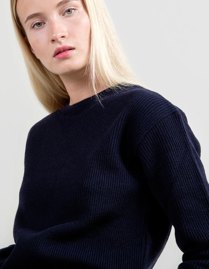 Fisherman's Rib Merino Sweater - Navy