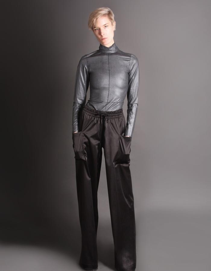 Silver bodysuit + Cotton shine trousers front