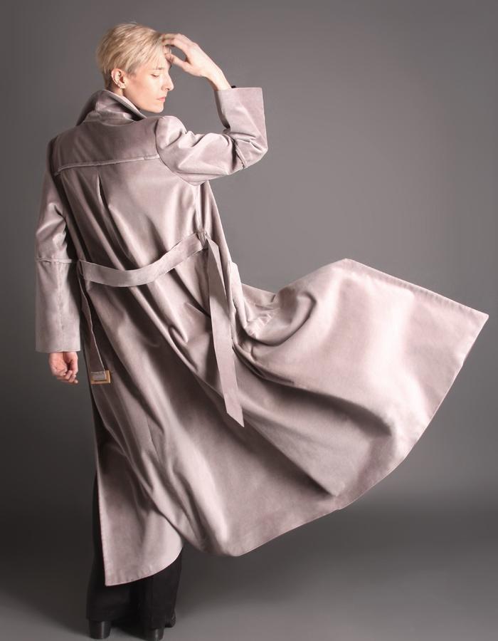Grey velvet coat with bamboo buckle back