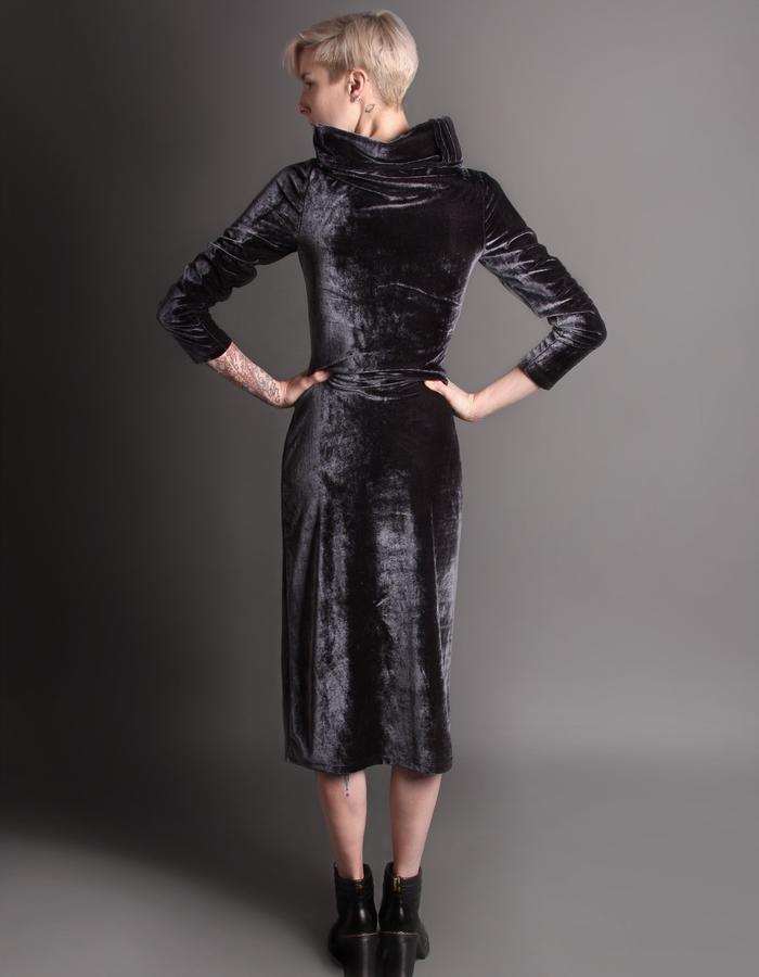Velvet dress back