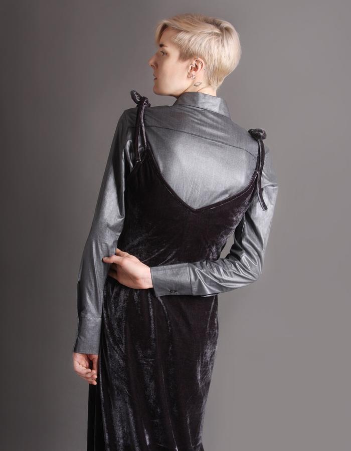 Velvet dress with straps back