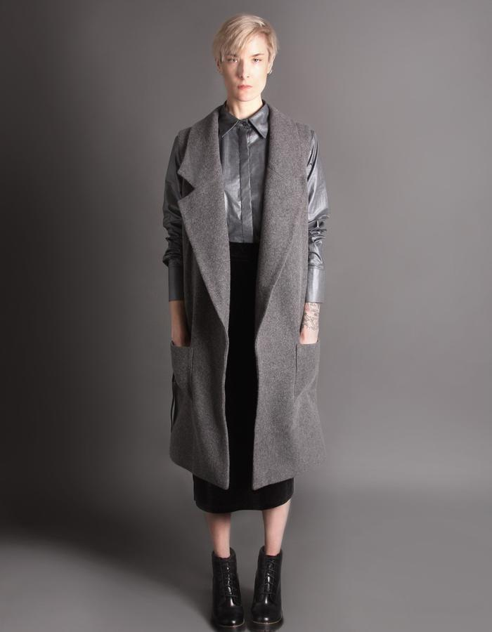 Wool coat without sleeves front