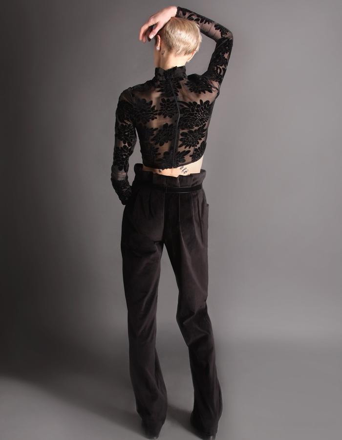 Croptop velvet transparent + Velvet trousers with belt and bamboo buckle back