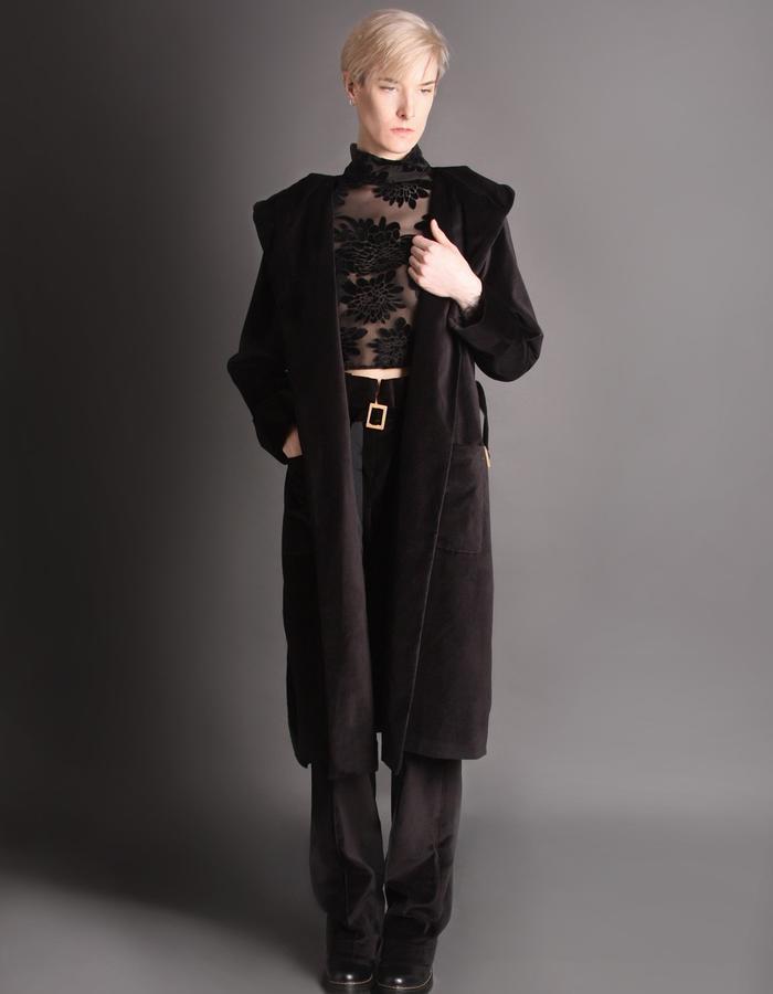 Velvet short coat with hoodie front