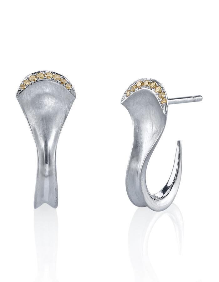 Rhea earrings, platinum and natural yellow diamond detail