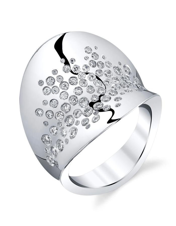 Lyra-galaxy ring, Platinum and white diamonds