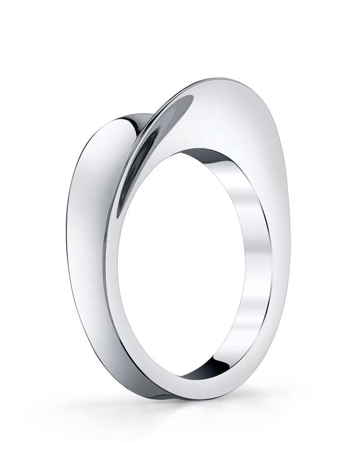 Hera ring, platinum