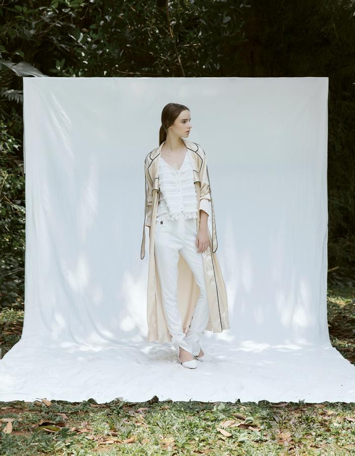 Camisole in Lace, Satin Maxi Cardigan and Ruched Ankle Pants in White