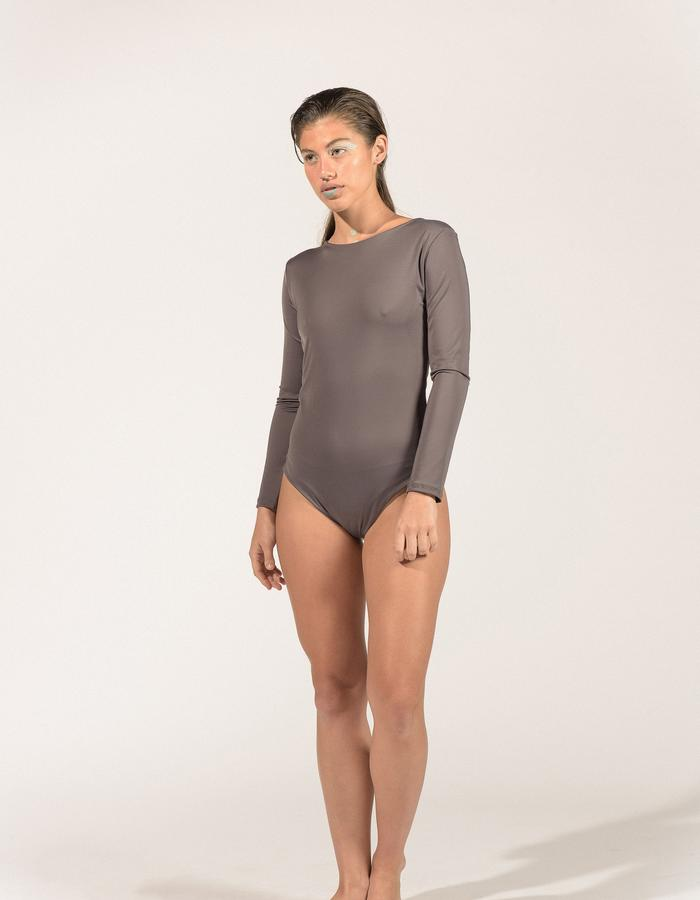 Body Maia(front)_grey