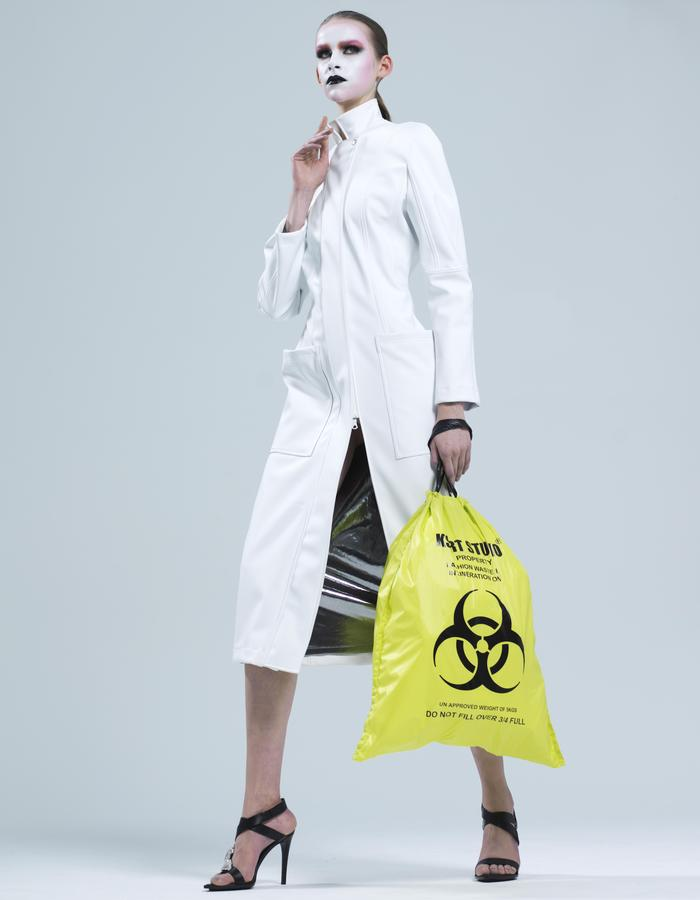 KSRT STUDIO NURSE  RUBBER COAT