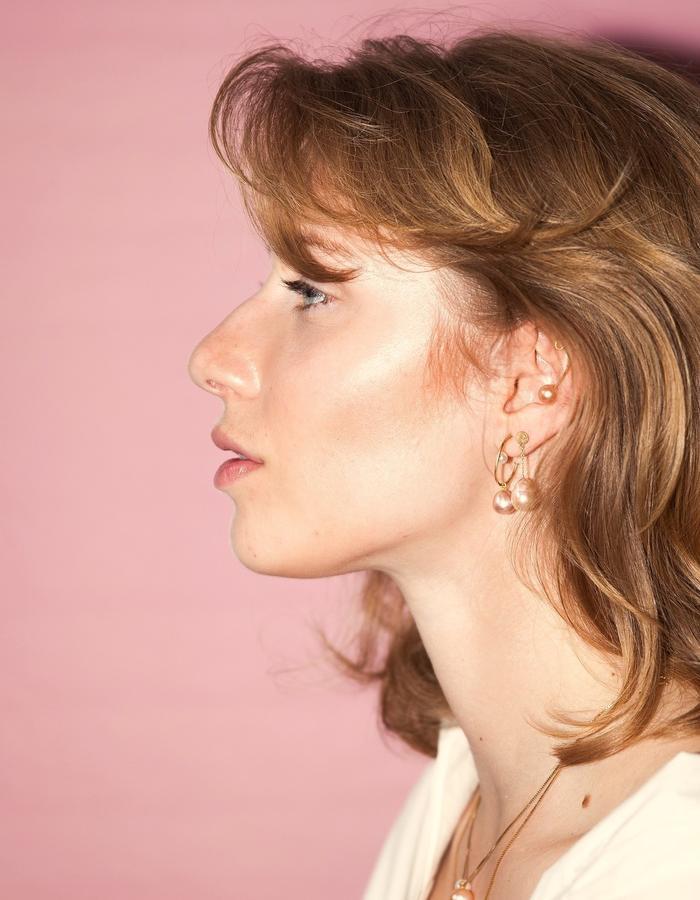 Jewelry by Mermaid Stories Copenhagen - Freshwater cultured pearl earrings in gold